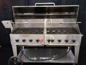 5', 8 Burner Propane bbq with lid $186.00ea